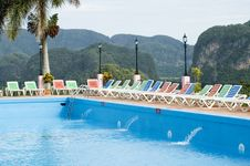 Free Tropical Hotel Pool Royalty Free Stock Images - 3659909