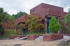 Free Red Brick Building Royalty Free Stock Images - 36520019