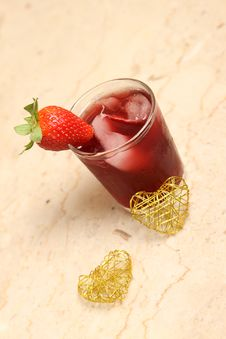Free Fresh Strawberry Juice Stock Photo - 36536580