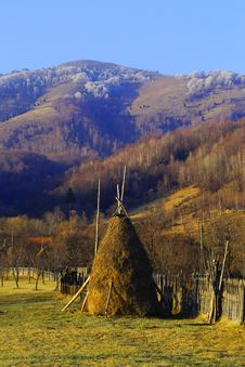 Travel To Romania: Haystacks During Early Winter Royalty Free Stock Images