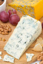Free Blue Cheese, Grapes, Crackers, Jam And Nuts On A Wooden Board Royalty Free Stock Photos - 36542808