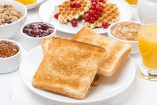 Free Continental Breakfast - Toast, Jam, Peanut Butter, Juice Stock Photos - 36542923