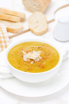 Free Cream Soup Of Yellow Lentils With Vegetables Stock Image - 36542931