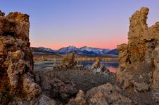 Free Mono Lake Tufa Formations At Sunrise Stock Photography - 36544312