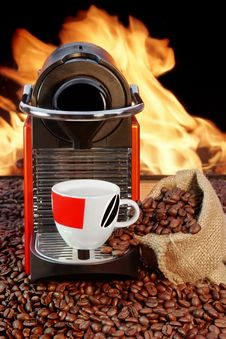 Free Coffee Machine With Cup  Of Espresso Near Fireplace Royalty Free Stock Photography - 36550507