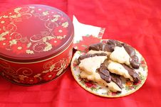 Free Cookies Tin And Plateful Stock Images - 36561034