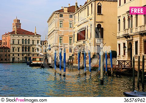 Free Buildings In The Grand Canal Stock Photography - 36576962