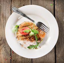 Free Fried Meat On A Plate Royalty Free Stock Photo - 36579085