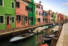 Free Colored Houses Of Burano Royalty Free Stock Images - 36579119