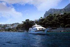 Free Yacht In Capri Island Coast Royalty Free Stock Image - 36581796
