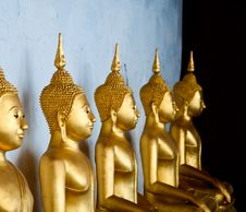Free The Sitting Golden Buddha In The Temple In Thailand Royalty Free Stock Photography - 36582117