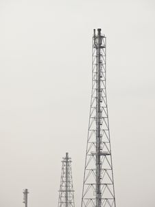 Free Distillation Tower Group Royalty Free Stock Photo - 36596965