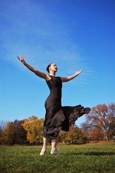 Free Ballerina Performing Outdoors Stock Photos - 3664693