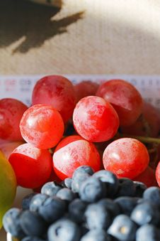 Free Blueberries And Grapes Stock Photos - 36600113