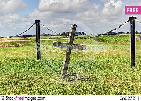 Free Graveyard Cross Stock Image - 36627211