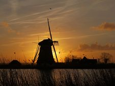 Free Sunrise Stock Photo - 36621390