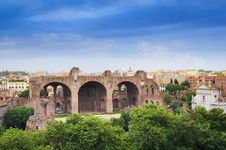 Free View Of Basilica Of Maxentius Roman Forum Stock Photography - 36632552