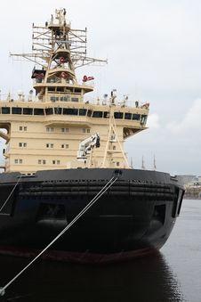 Free Big Industrial Vessel Royalty Free Stock Photo - 36633475
