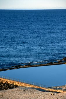 Free Ocean Pool Royalty Free Stock Photography - 36639097