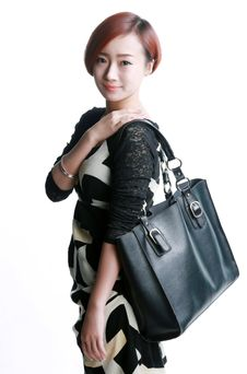 Free Chinese Girl Kua Shoulder Bag Stock Image - 36640841