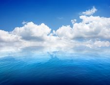 Free Seascape And Clouds Stock Images - 36640894
