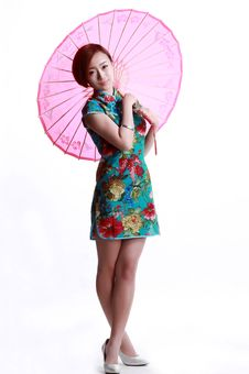 Chinese Girl Wearing A Cheongsam Umbrella Royalty Free Stock Photo
