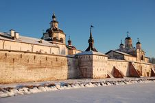 Free Northern Russian Monastery In Winter. Royalty Free Stock Image - 36643446