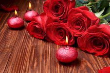 Free Romantic Composition With Red Candles And Roses. Royalty Free Stock Image - 36645436