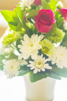 Free Flowers In White Vase Stock Photography - 36651312