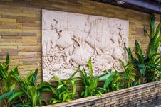 Free Statue Decoration On Wall Stock Photography - 36651372