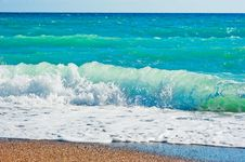Free Strong Foaming Waves And Beach Stock Photos - 36655353