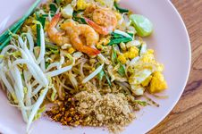 Free Pad Thai, Stir-fried Rice Noodles Royalty Free Stock Image - 36678116