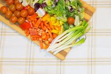 Free Vegetables On Cutting Board Stock Image - 36684591