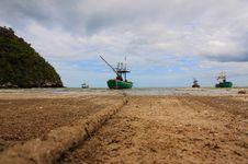 Free Sheltered Mooring On Sam Phraya Beach Royalty Free Stock Photos - 36688758