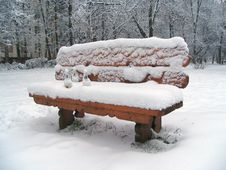 Free Snowy Bench Royalty Free Stock Images - 3672129