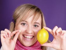 Free Smiling Gril With Lemon Royalty Free Stock Images - 3675999