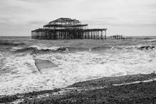 Free West Pier Ruins In Black And White, Brighton Beach, England Royalty Free Stock Photography - 36705717