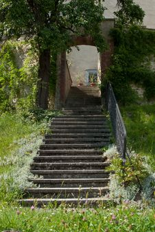 Steps Leading To An Arch Royalty Free Stock Images