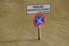 Free Flood In Budapest Hungary 2006 Royalty Free Stock Photography - 3682797