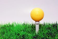 Free Golfball On Tee Stock Photo - 3686730