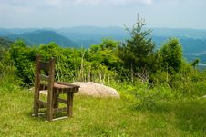 Free Retro Wooden Chair At Cliff Royalty Free Stock Photo - 3688715