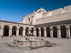 Free Courtyard At Arequipa, Peru Royalty Free Stock Photo - 3692345