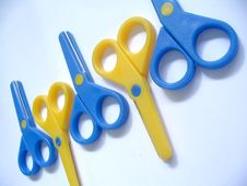 Free Blue & Yellow Scissors Royalty Free Stock Photos - 376968