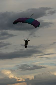 Free Parachute Silhouette Royalty Free Stock Photo - 379315