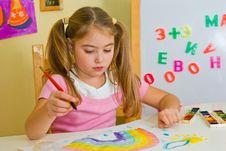 Free Schoolgirl Has Drawn A Rainbow Stock Photo - 3700980