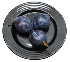 Free Fresh Plums On A Black Plate Royalty Free Stock Photos - 3702628
