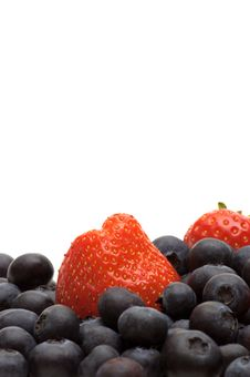 Free Bilberry And Strawberry Stock Photo - 3707840