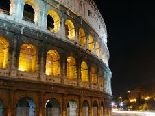 Free Colosseo At Night, Rome Royalty Free Stock Image - 3710006