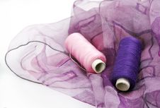 Free Purple Silk And Matching Threads Royalty Free Stock Photography - 3710697