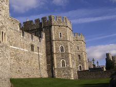 Free Castle Walls And Entrance Royalty Free Stock Image - 3714996